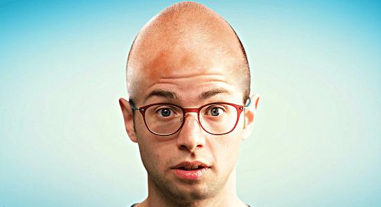 Comment savoir si etre chauve nous va bien
